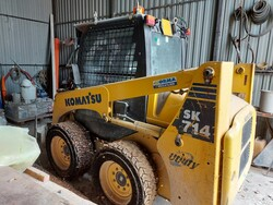 Komatsu SK714 Skid steer loader - Lot 13 (Auction 5611)