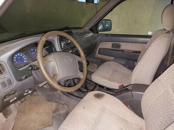 5#5611 Autocarro Nissan King Cab in vendita - foto 7