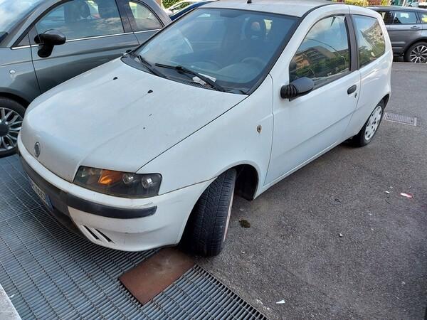 6#5611 Autovettura Fiat Punto El in vendita - foto 1