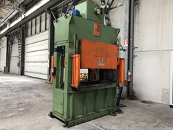 Omet two upright press - Lot 13 (Auction 5617)