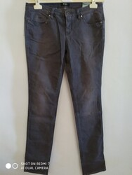 CNC women s jeans - Lot 8 (Auction 5622)