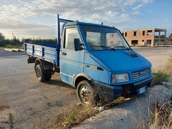 Iveco Daily truck - Lot 14 (Auction 5640)