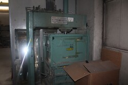 Ferronato hydraulic press and manual transpallets - Lot 11 (Auction 5644)