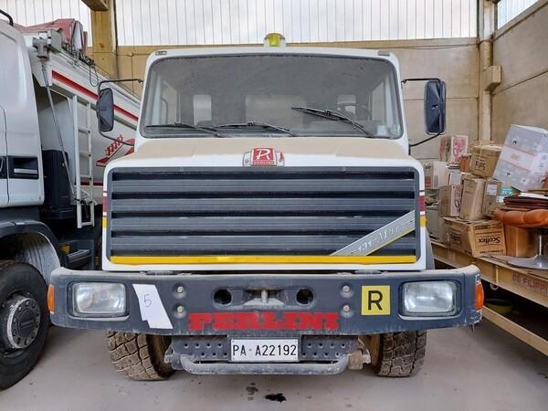 4#5665 Camion Perlini in vendita - foto 2