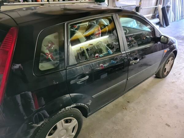3#5668 Autovettura Ford Fiesta in vendita - foto 4