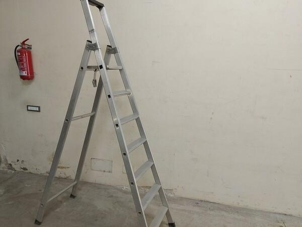 4#5673 Arredi e attrezzature per ufficio in vendita - foto 4