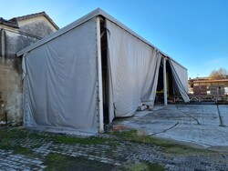 Structure with tarpaulin cover - Lote 8 (Subasta 5695)