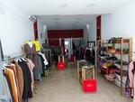 Abbigliamento da donna e arredi per negozio - Lotto 1 (Asta 5707)