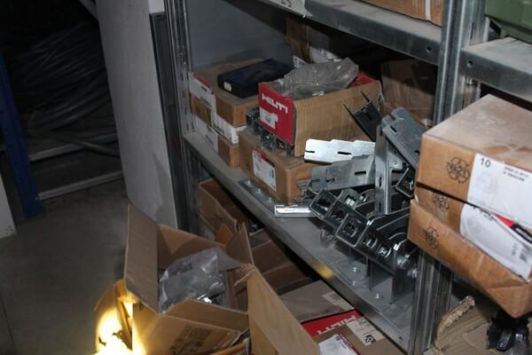 18#5709 Materiale elettrico e piccola ferramenta in vendita - foto 1