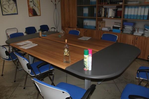 2#5709 Arredamento da ufficio in vendita - foto 1
