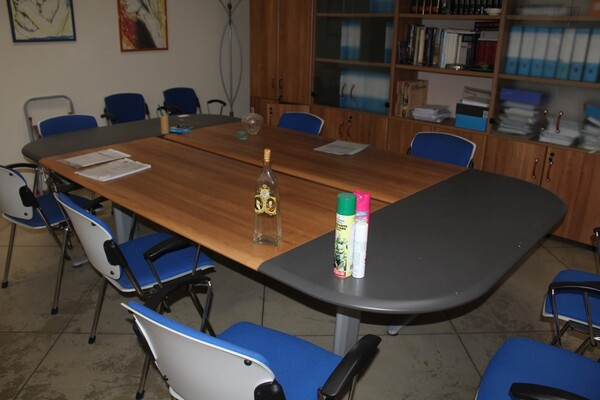 2#5709 Arredamento da ufficio in vendita - foto 2
