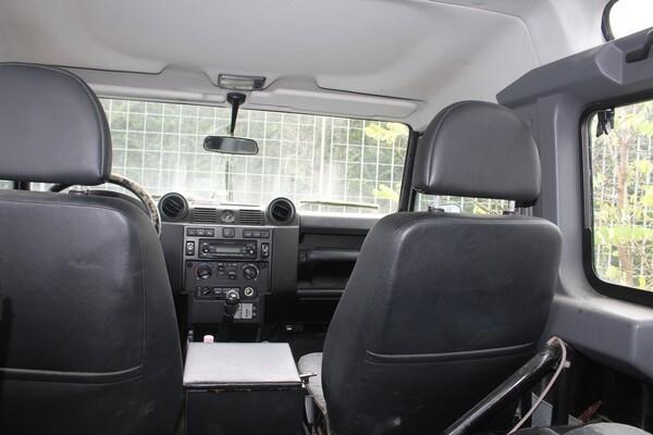 33#5709 Autovettura Land Rover Defender in vendita - foto 18