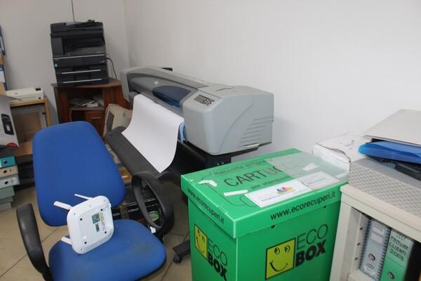 7#5709 Arredamento e attrezzatura da ufficio in vendita - foto 8