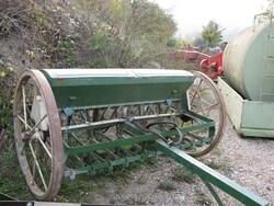 Hydraulic seeder - Lot 17 (Auction 5713)