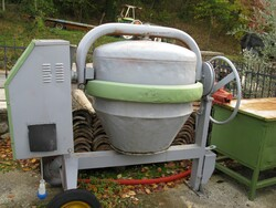 300 liter single phase concrete mixer - Lot 6 (Auction 5713)
