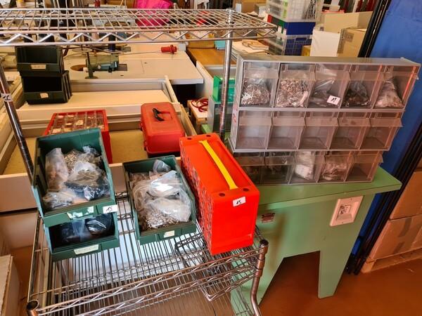 1#5714 Attrezzature elettroniche e scaffalature in vendita - foto 34