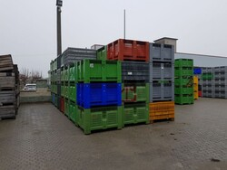 Bins and wooden boxes for fruit and vegetables - Lot 0 (Auction 5715)
