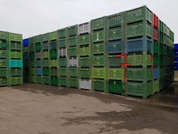 Bins for fruit and vegetables - Lot 107 (Auction 5715)