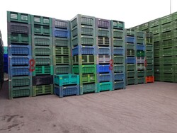 Bins for fruit and vegetables - Lot 108 (Auction 5715)