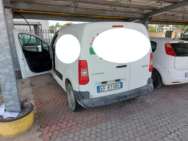 17#5715 Autocarro Citroen Berlingo in vendita - foto 2
