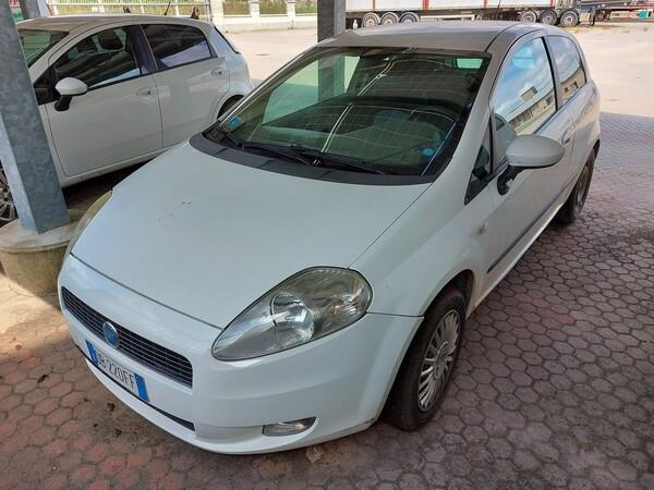 18#5715 Autovettura Fiat Punto in vendita - foto 1