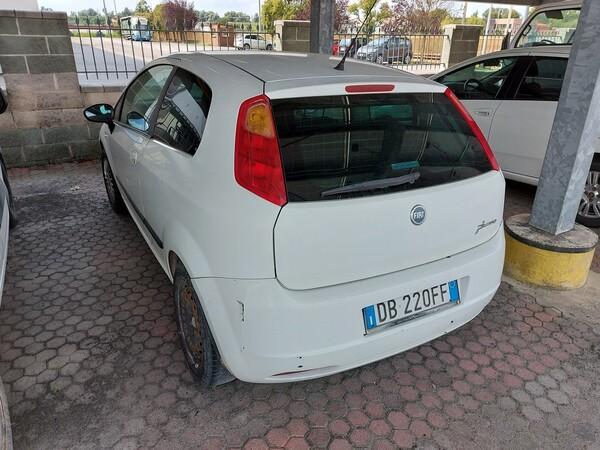 18#5715 Autovettura Fiat Punto in vendita - foto 2