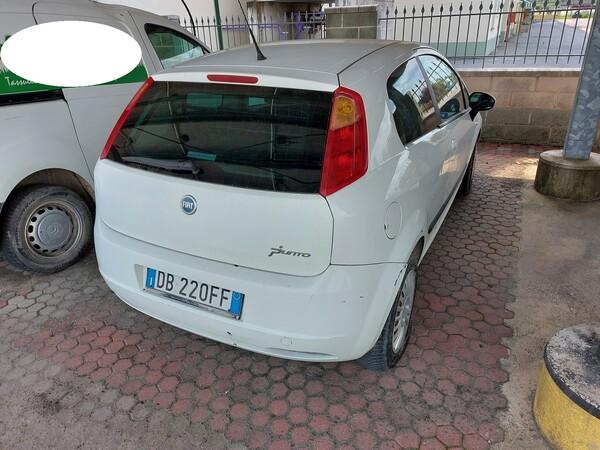 18#5715 Autovettura Fiat Punto in vendita - foto 3