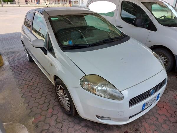 18#5715 Autovettura Fiat Punto in vendita - foto 4