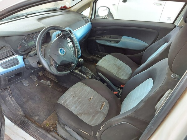18#5715 Autovettura Fiat Punto in vendita - foto 9