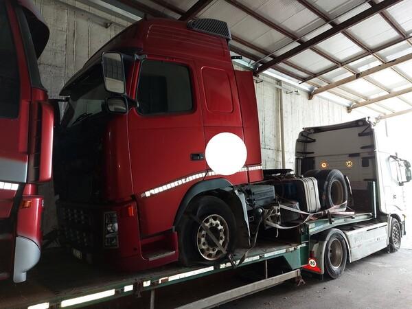 28#5715 Trattore stradale Volvo in vendita - foto 1