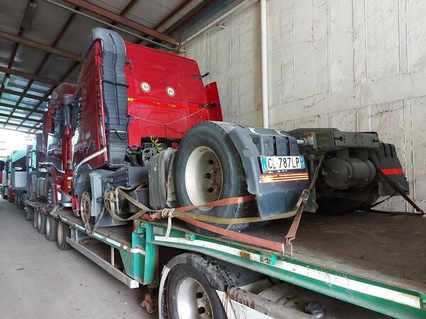 28#5715 Trattore stradale Volvo in vendita - foto 2