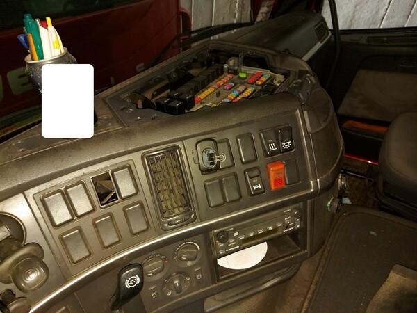 28#5715 Trattore stradale Volvo in vendita - foto 10