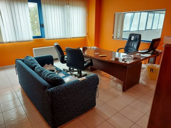 1#5719 Arredi per ufficio in vendita - foto 46