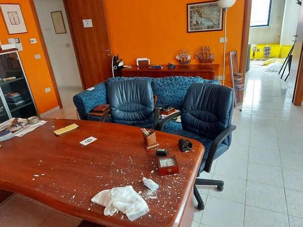 1#5719 Arredi per ufficio in vendita - foto 48