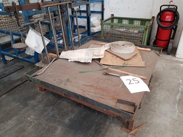 17#5720 Scaffalature e contenitori in ferro in vendita - foto 6