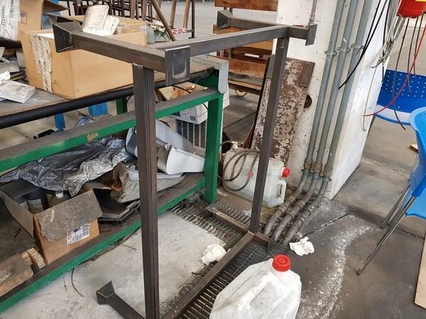 9#5720 Carrelli e contenitori in ferro in vendita - foto 5