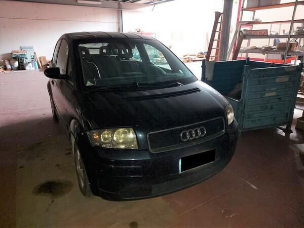 4#5740 Autovettura Audi A2 in vendita - foto 2
