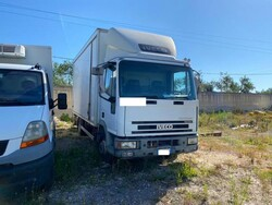Iveco truck and Volkswagen Golf vehicle - Lot 0 (Auction 5747)