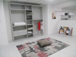 Colombini walk in closet - Lot 20 (Auction 5754)