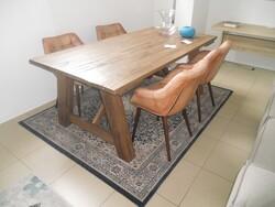 Tavolo in legno Divina Nice e poltrone in pelle - Lotto 5 (Asta 5754)