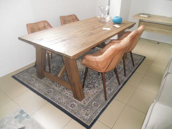5#5754 Tavolo in legno Divina Nice e poltrone in pelle in vendita - foto 1