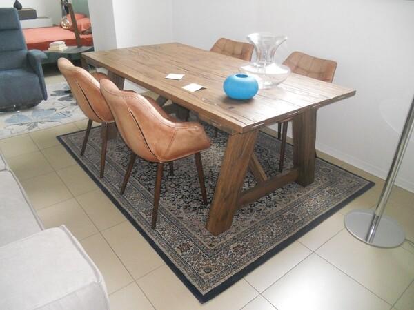 5#5754 Tavolo in legno Divina Nice e poltrone in pelle in vendita - foto 2
