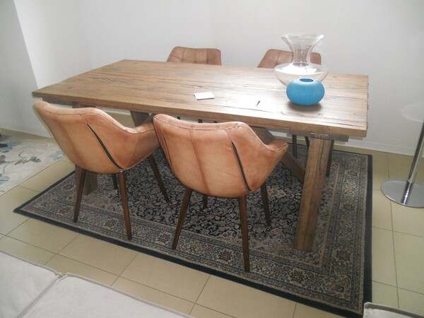 5#5754 Tavolo in legno Divina Nice e poltrone in pelle in vendita - foto 3
