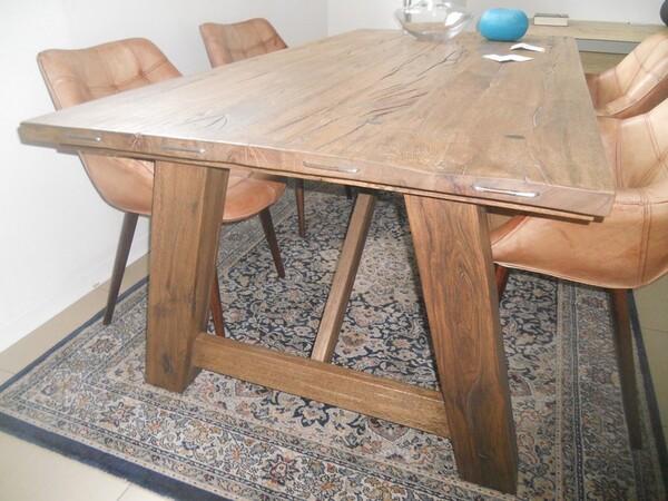 5#5754 Tavolo in legno Divina Nice e poltrone in pelle in vendita - foto 4