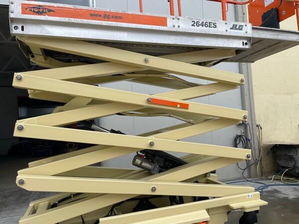 10#5755 Piattaforma aerea a pantografo JLG in vendita - foto 7