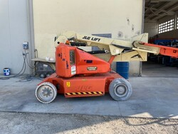 JLG articulated self propelled aerial platform - Lot 12 (Auction 5755)