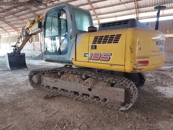 4#5783 Escavatore cingolato New Holland in vendita - foto 1