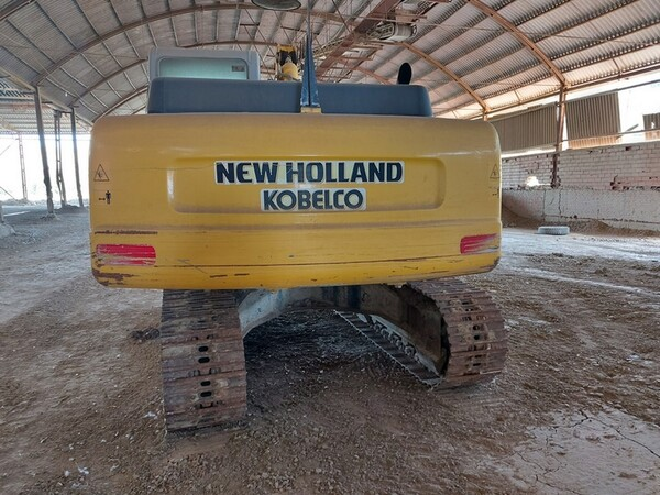 4#5783 Escavatore cingolato New Holland in vendita - foto 2