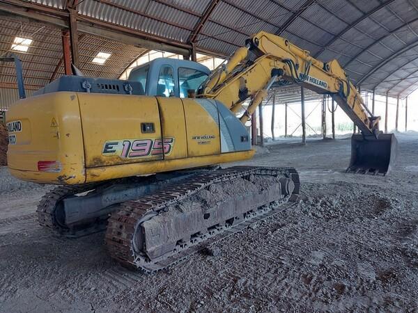 4#5783 Escavatore cingolato New Holland in vendita - foto 3
