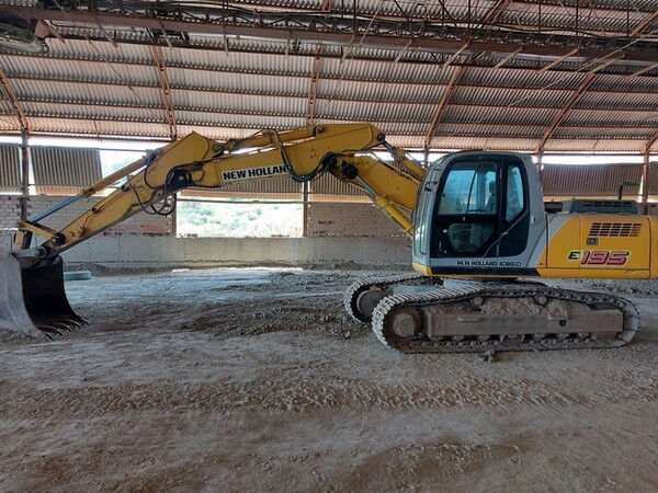 4#5783 Escavatore cingolato New Holland in vendita - foto 7